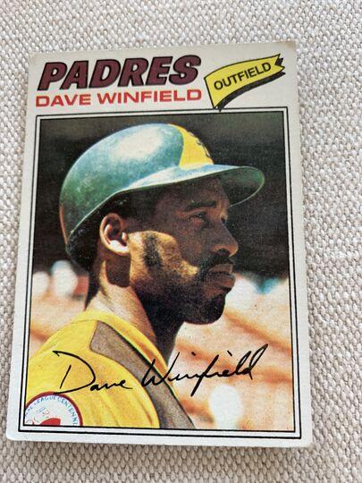 1977 topps baseball card 390