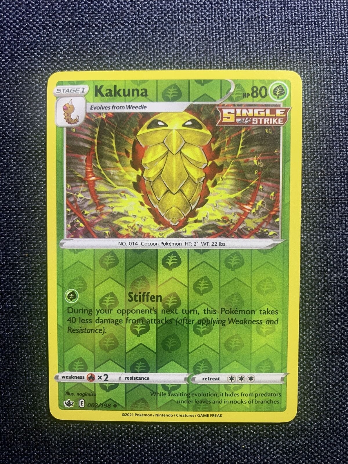 Pokemon Kakuna 002/198 Chilling Reign - Rev Holo - NM